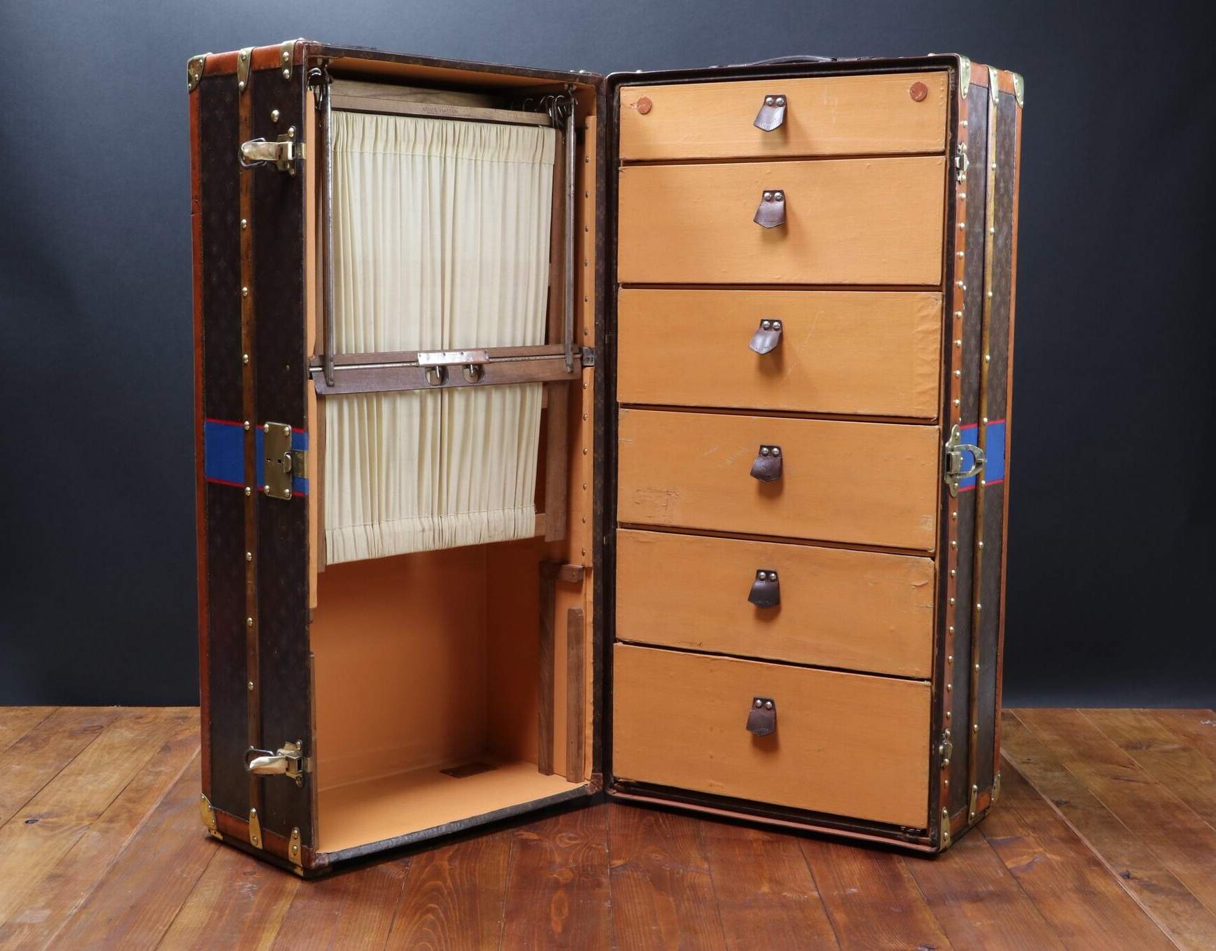 Mame Fashion Dictionary: Louis Vuitton Wardrobe Trunk