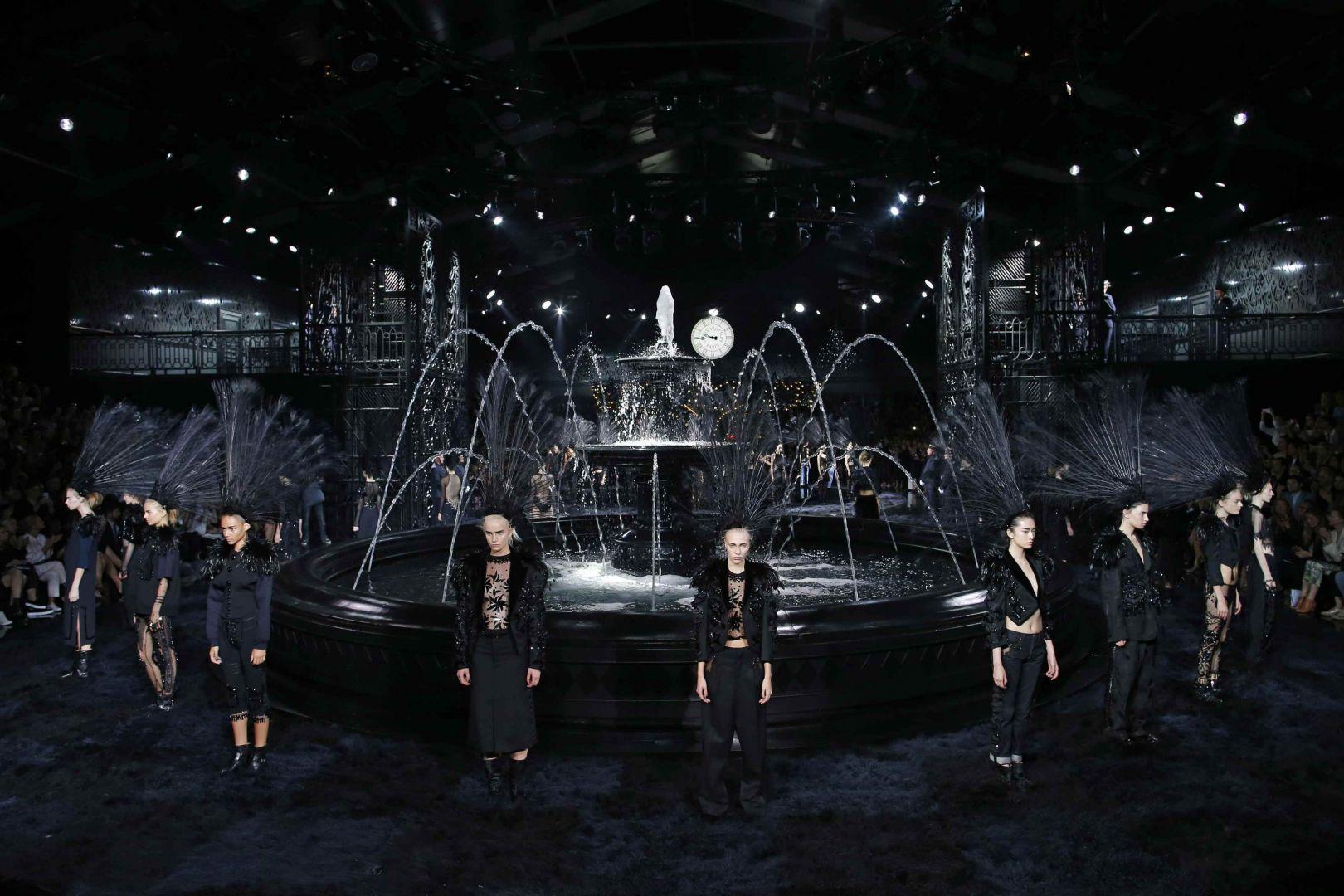 Mame Fashion Dictionary: Marc Jacobs Last Louis Vuitton Show