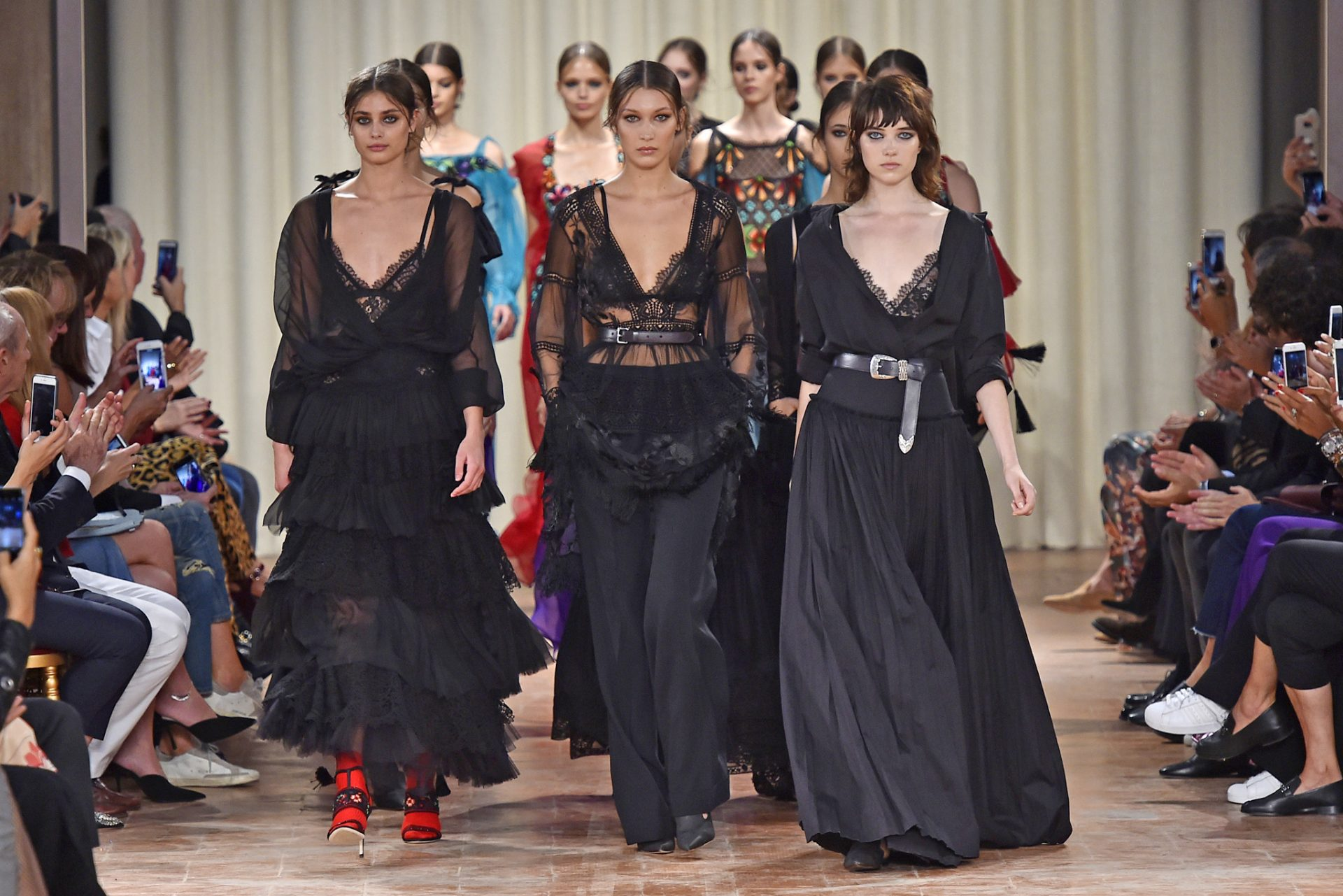 Alberta Ferretti Spring 2017 Collection Milan Fashion Week